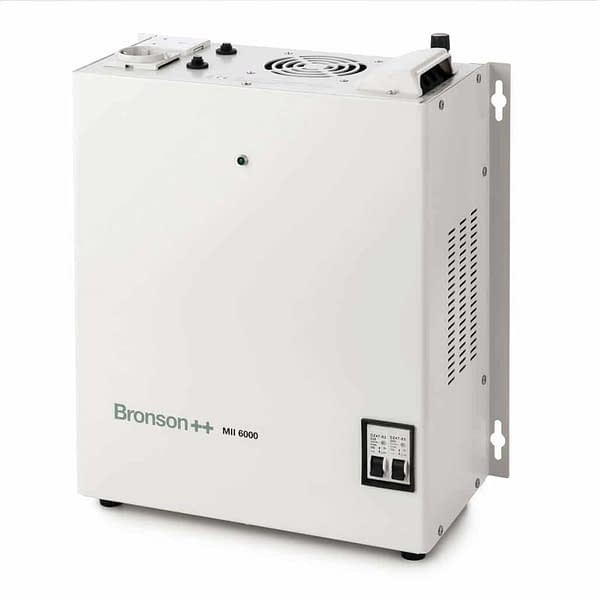 Bronson MII Pro isolation transformer bird's eye view with EU and UK input and screw terminal